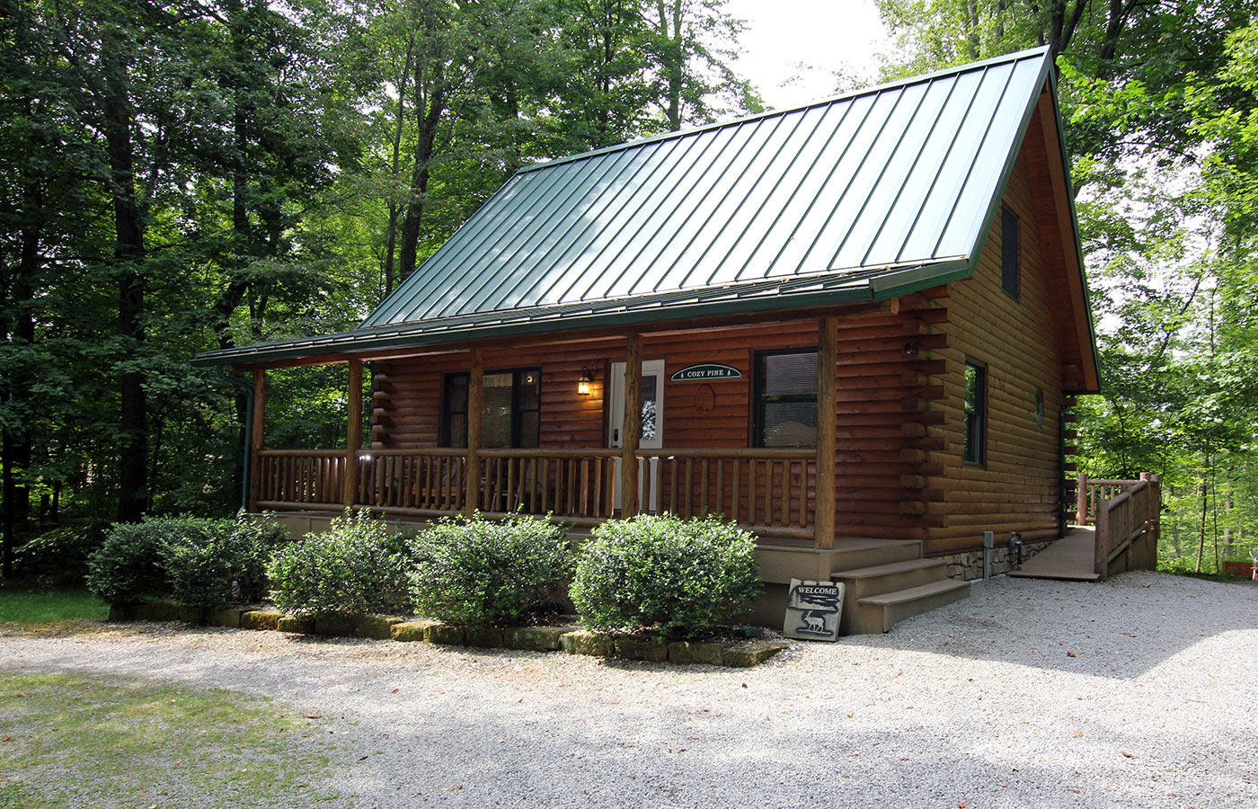 Tranquil acres cabins amish country ohio for Northeast ohio cabin rentals